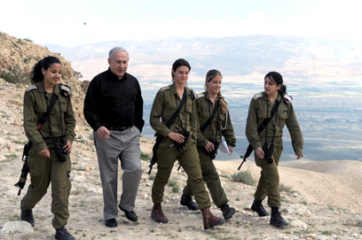 Netanyahu with soldiers at an IDF outpost in the Jordan Valley, near the one attacked last night.