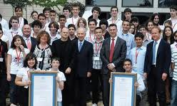 President Shimon Peres posing yesterday with Israel's scientists and innovators of the future