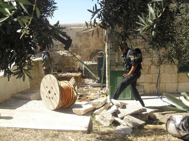 Another picture of destruction on the Temple Mount this morning (picture source: Rotter).