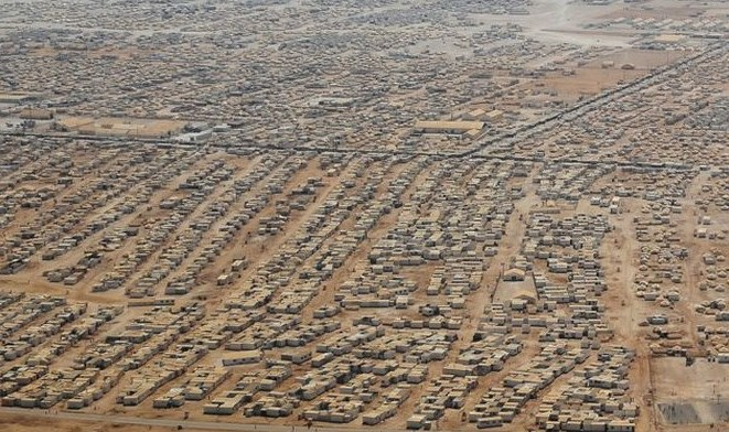 "The 5th largest city in Jordan: ""Camp Zaatari"" with 160,000 Syrian refugees stretches for miles in each direction (picture source: www.mirror)."