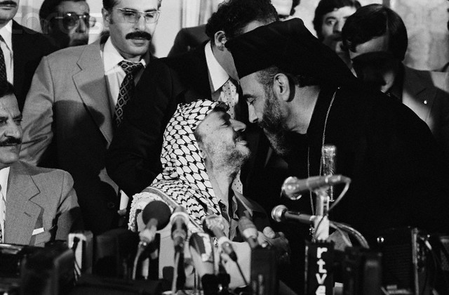 Arafat and Capucci on September 15, 1979 in Madrid (picture source: Richard Melloul/Sygma/CORBIS).