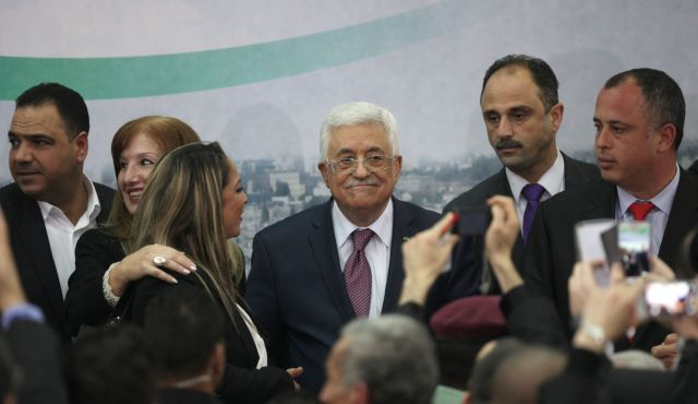 Like a snake in the grass, a smiling Abbas dissembles to a group of Israeli students in Ramallah on Sunday (picture: Haaretz).