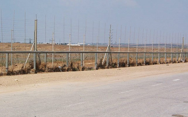 One of the more formidable sections of the Gaza border fence. Even this section is easily breached (picture: Wikipedia).