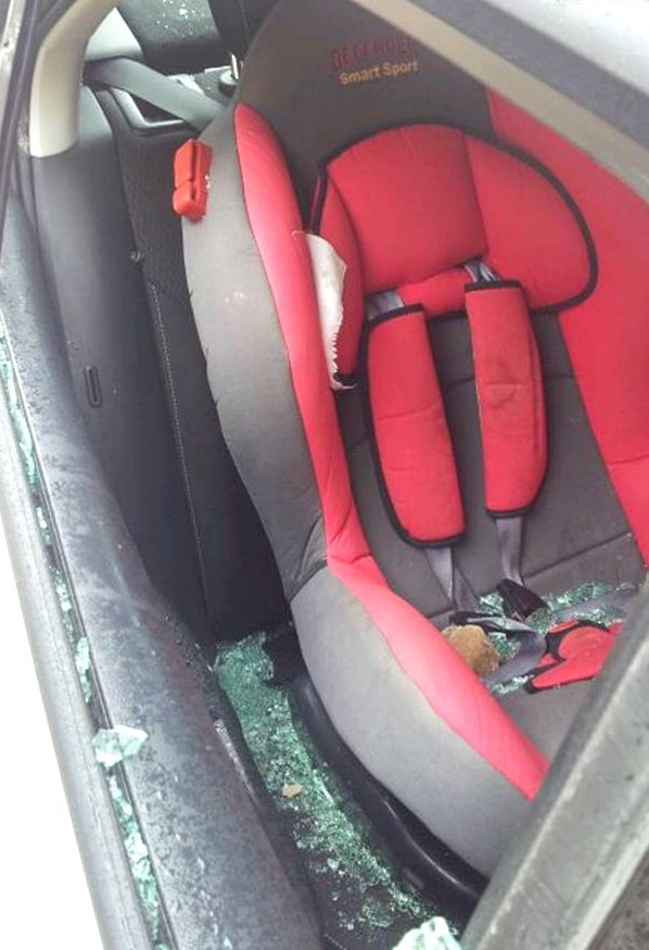 Note the edge of the rock in the car seat (Picture: Observation Agency).