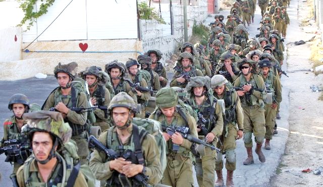 Israeli troops continue to pour into Hevron and surrounding areas (photo: Haaretz).