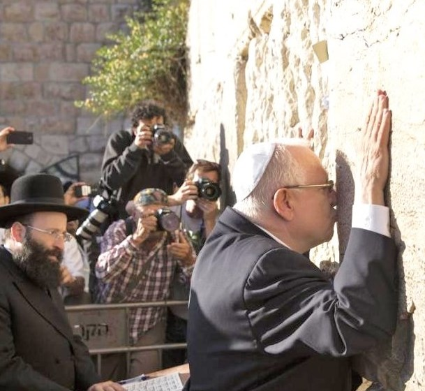 Where was the first place that newly elected President Rivlin went yesterday? Not surprisingly, he went straight to the Kotel (Western Wall). Photo: Baz Ratner, Reuters).