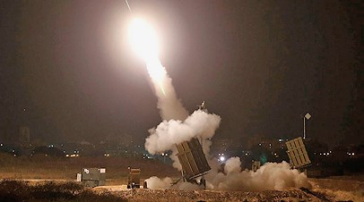 An Iron Dome battery in operation last night here in Ashdod--about  3 km from our house.
