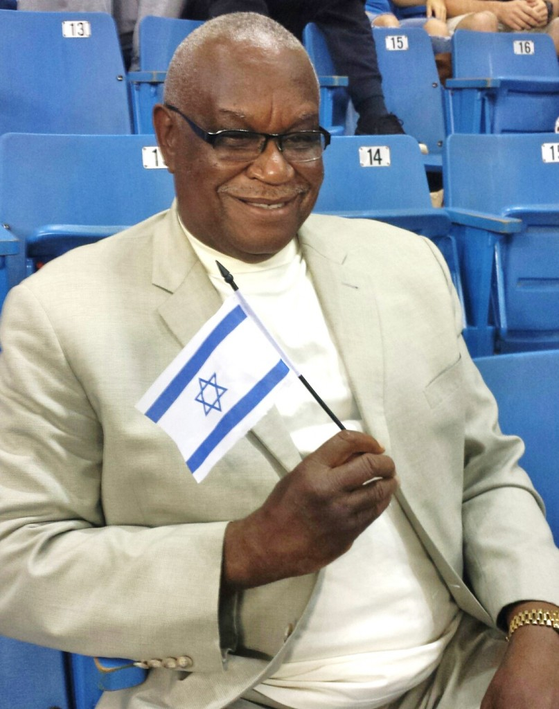 A happy Kings' fan and Israel supporter!