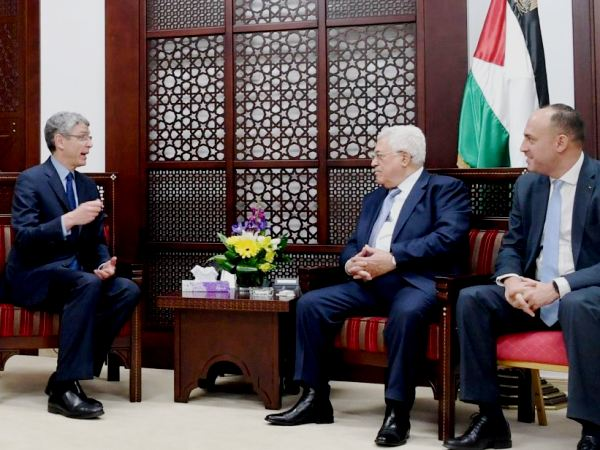 Rick Jacobs kowtowing to Mahmoud Abbas and one of his advisors.
