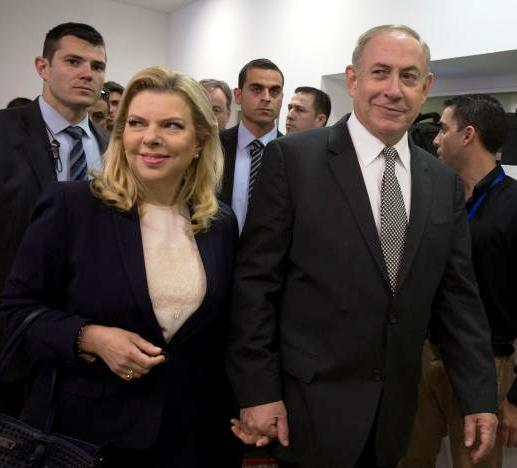 A supremely confident Netanyahu and his wife Sara arriving in Tel Aviv Magistrate's Court on March 14th of this year--obviously happy to finally get a chance to set the record straight (photo: Heidi Levine, Reuters).