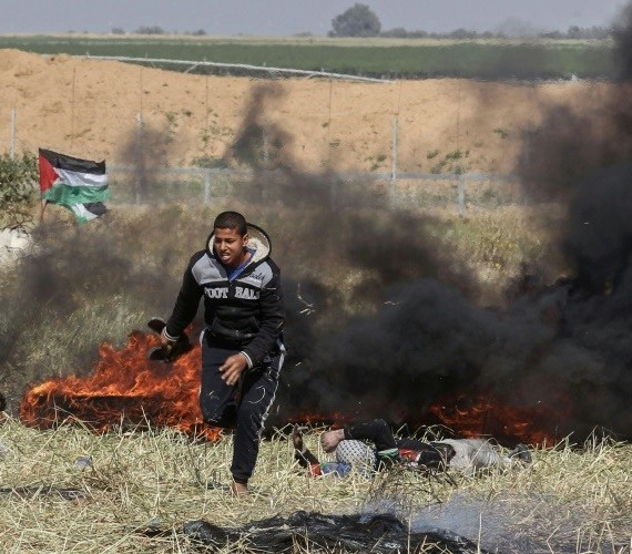 "Another ""peaceful"", ""non-violent"", ""demonstrator"" yesterday after setting fire to an area near the border fence. Hamas ordered its members to set fires to create smoke cover for other terrorists trying to blow up the fence."